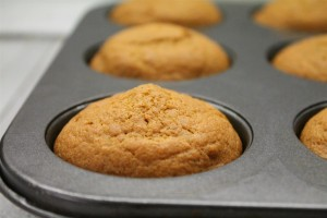 Sütőtökös muffin a sütőből kivéve