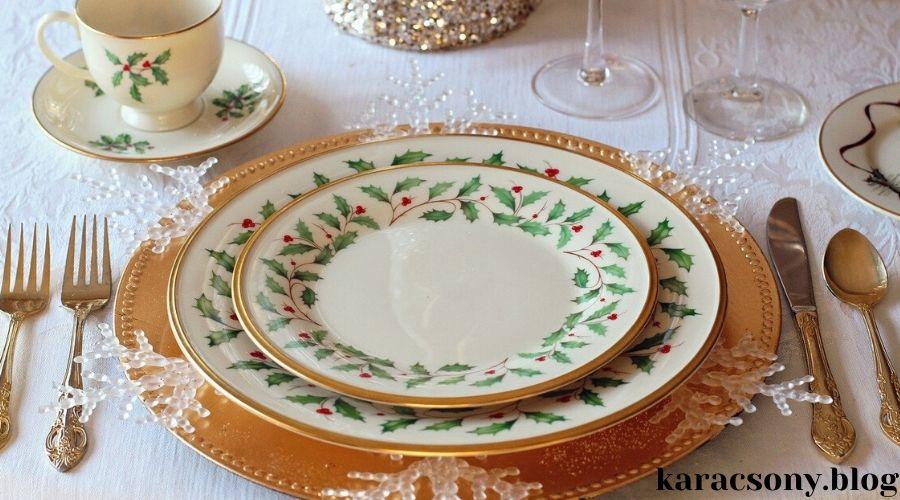 karácsonyi tányér zöld-piros motívumokkal