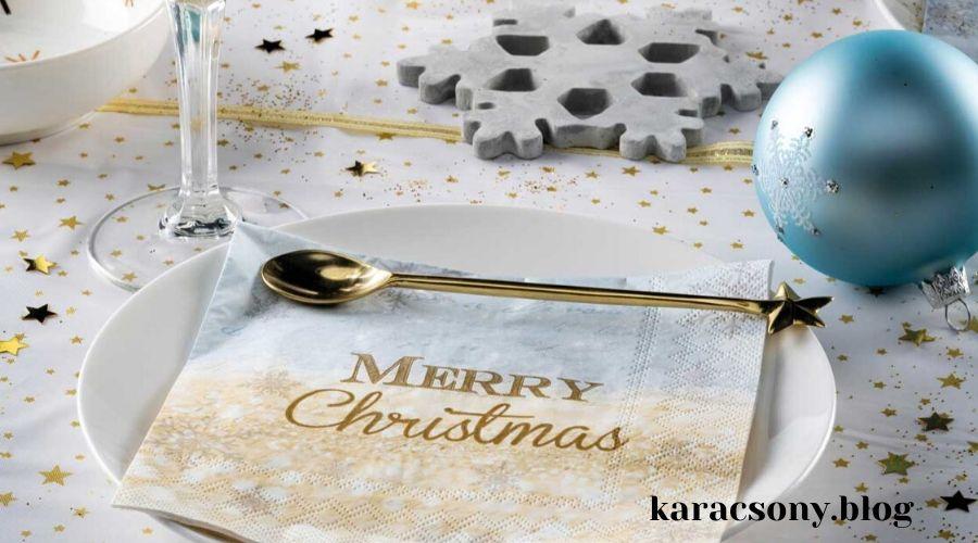 karácsonyi teríték kék-fehér-arany színekben